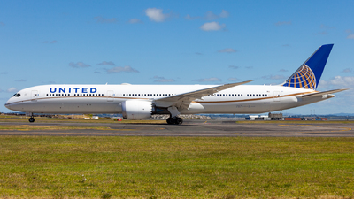 N12003 - Boeing 787-10 Dreamliner - United Airlines