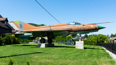 9410 - Mikoyan-Gurevich MiG-21MF Fishbed J - Czech Republic - Air Force