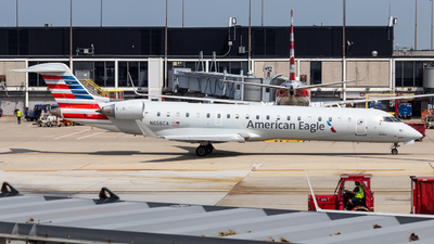 A picture of N656CA - Mitsubishi CRJ701ER - American Airlines - © Grant Gladych
