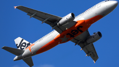 A picture of VHVQJ - Airbus A320232 - Jetstar Airways - © Robbie Mathieson