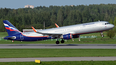 A picture of VPBAV - Airbus A321211 - Aeroflot - © Luba Ostrovskaya