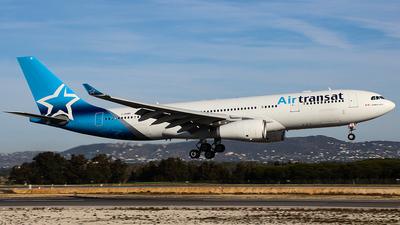 A picture of CGUBH - Airbus A330243 - Air Transat - © Hugo Ferreiro