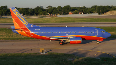 N524SW - Boeing 737-5H4 - Southwest Airlines