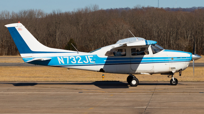 N732JE - Cessna T210L Turbo Centurion  - Private