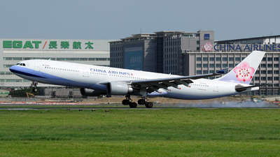 B-18306 - Airbus A330-302 - China Airlines