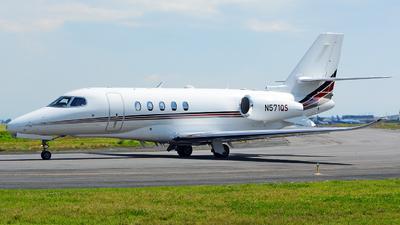 A picture of N571QS - Cessna 680A Citation Latitude - NetJets - © Alex Zothique