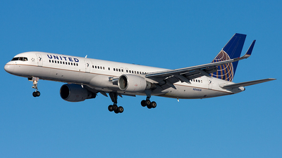 A picture of N544UA - Boeing 757222 - Boeing - © Alex Brodkey