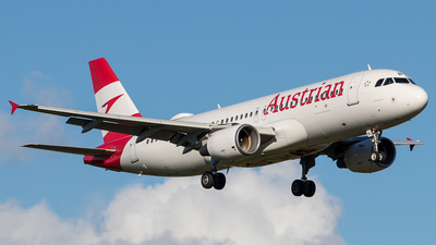A picture of OELBL - Airbus A320214 - Austrian Airlines - © Boscgnspotter