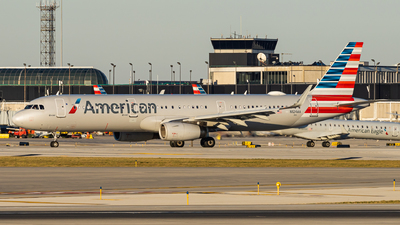 A picture of N124AA - Airbus A321231 - American Airlines - © Haocheng Fang