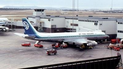 ZK-NZE - Douglas DC-8-52 - Air New Zealand