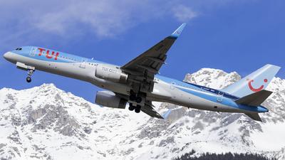 A picture of GOOBF - Boeing 75728A - [33101] - © Loredana Cioclei