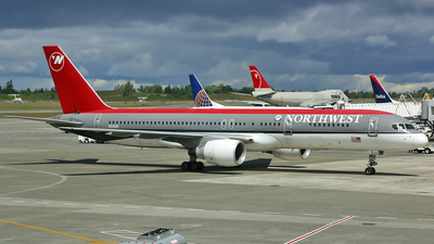 N541US - Boeing 757-251 - Northwest Airlines