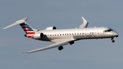 A picture of N520DC - Mitsubishi CRJ701ER - American Airlines - © Andrew Hunt