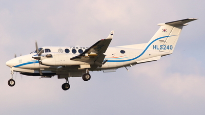 HL5240 - Beechcraft B300 King Air 350i - South Korea - Meteorological Administration