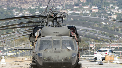 N160CQ - Sikorsky UH-60A Blackhawk - Private