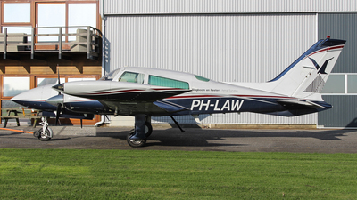 PH-LAW - Cessna 310R - Slagboom & Peeters Aerial Photography