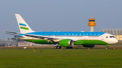 A picture of UK001 - Boeing 7878 Dreamliner - Uzbekistan Airways - © Lars Hentschel
