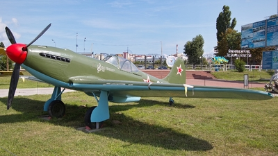 09 - Yakovlev Yak-9P - Soviet Union - Air Force