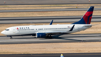 A picture of N3742C - Boeing 737832 - Delta Air Lines - © Nick Michaud