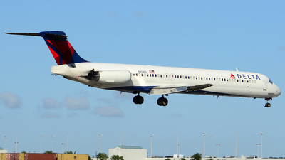 N958DL - McDonnell Douglas MD-88 - Delta Air Lines