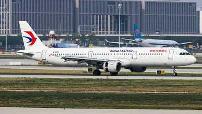 A picture of B2290 - Airbus A321211 - China Eastern Airlines - © YangZhang