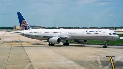 N75853 - Boeing 757-324 - United Airlines