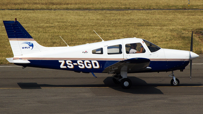 ZS-SGD - Piper PA-28-161 Warrior II - U-FLY