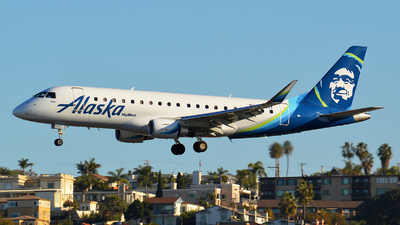 N185SY - Embraer 170-200LR - Alaska Airlines (Skywest Airlines)