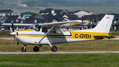C-GYEH - Cessna 172N Skyhawk II - Calgary Flying Club
