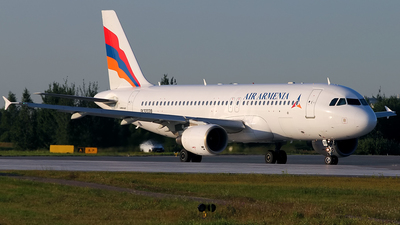 EK32039 - Airbus A320-214 - Air Armenia