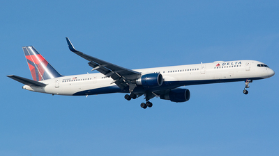 N595NW - Boeing 757-351 - Delta Air Lines