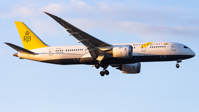 V8-DLB - Boeing 787-8 Dreamliner - Royal Brunei Airlines