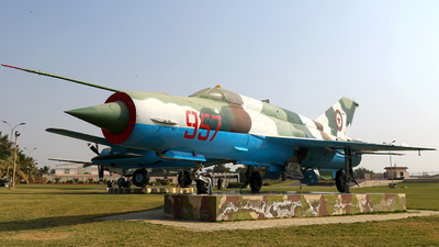 767 - Mikoyan-Gurevich MiG-21bis Fishbed L - Afghanistan - Air Force