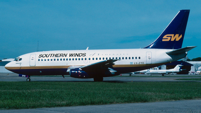 LV-ZYX - Boeing 737-2M6(Adv) - Southern Winds