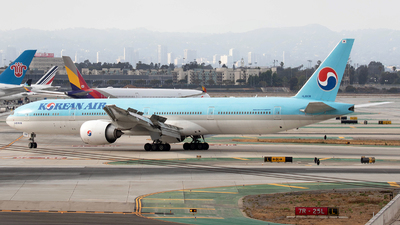 HL8008 - Boeing 777-3B5ER - Korean Air