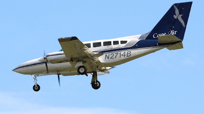 A picture of N2714B - Cessna 402C - Cape Air - © Guy Langlois