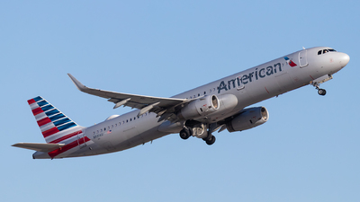 A picture of N991AU - Airbus A321231 - American Airlines - © Luke Dogan