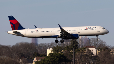 A picture of N364DX - Airbus A321211 - Delta Air Lines - © JinZi