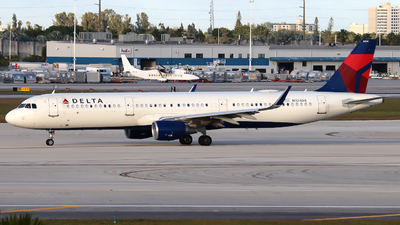 A picture of N324DX - Airbus A321211 - Delta Air Lines - © Xiamen Air 849 Heavy