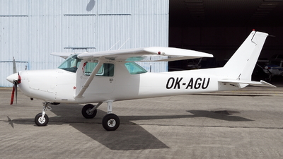 OK-AGU - Cessna 152 II - Aviaticky klub