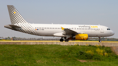 EC-MVN - Airbus A320-232 - Vueling Airlines