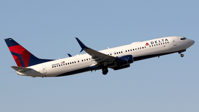 N895DN - Boeing 737-932ER - Delta Air Lines