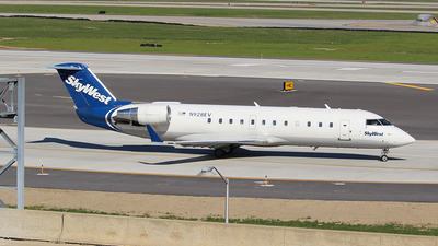 A picture of N928EV - Mitsubishi CRJ200LR - SkyWest Airlines - © MT Aviation photo & Film