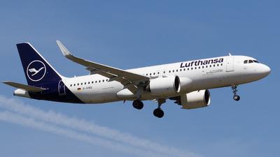 A picture of DAINQ - Airbus A320271N - Lufthansa - © RobertLN