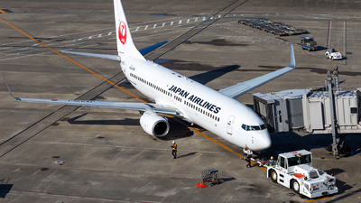 A picture of JA315J - Boeing 737846 - Japan Airlines - © LUSU