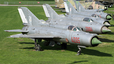 4205 - Mikoyan-Gurevich MiG-21PFM Fishbed - Poland - Air Force