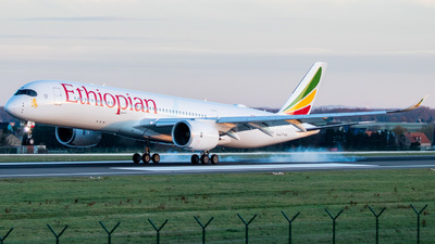 A picture of ETAYB - Airbus A350941 - Ethiopian Airlines - © Samuel Zerilli