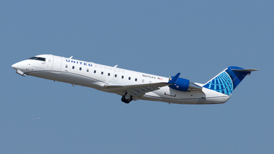 A picture of N875AS - Mitsubishi CRJ200LR - United Airlines - © Yixin Chen