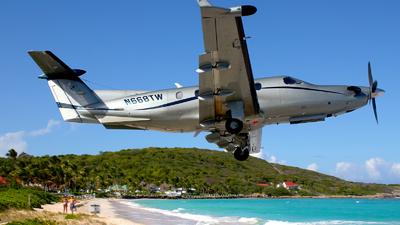 N668TW - Pilatus PC-12/45 - Tradewind Aviation