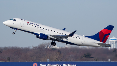 N302SY - Embraer 170-200LL - Delta Connection (SkyWest Airlines)